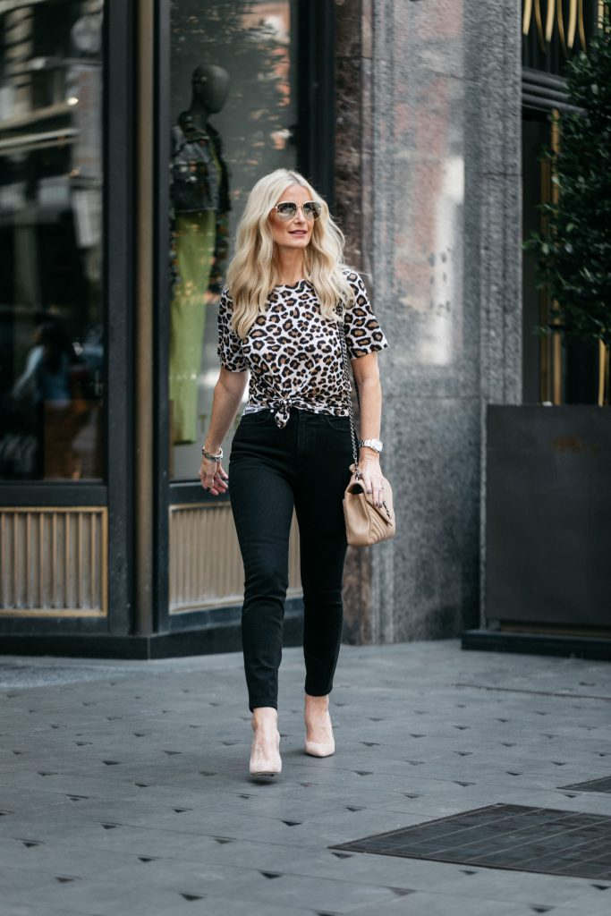 Dallas fashion blogger wearing Bldwn jeans and leopard tee