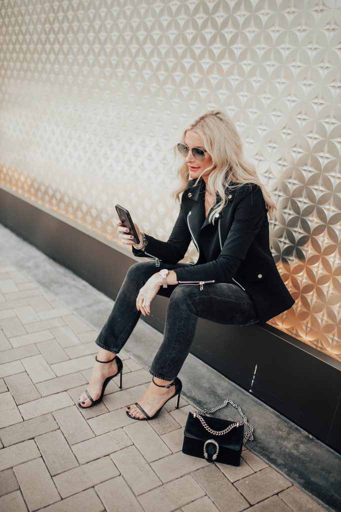 Dallas influencer wearing all black