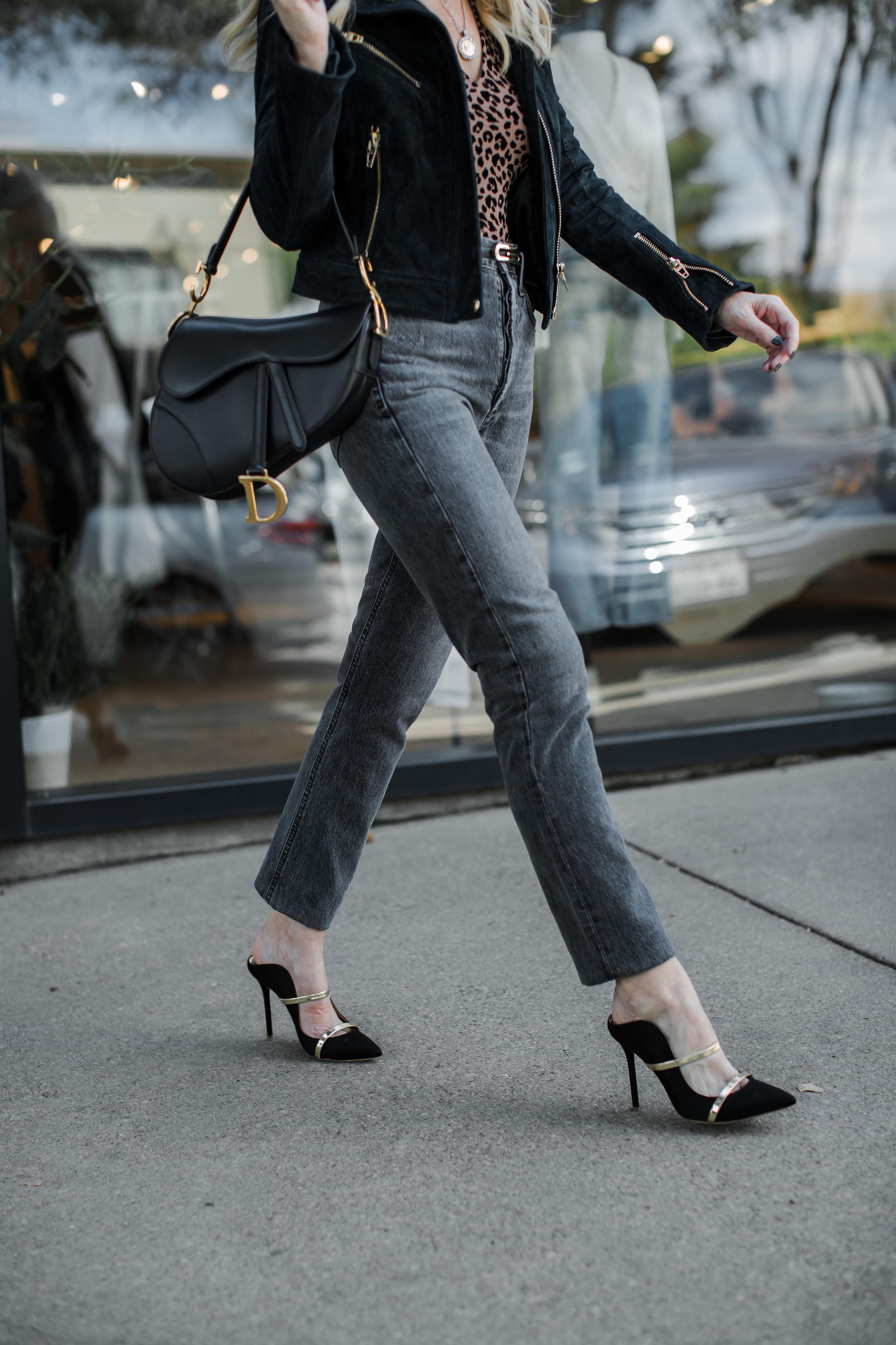 Dallas Fashion Blogger Carrying A Dior Saddle Bag