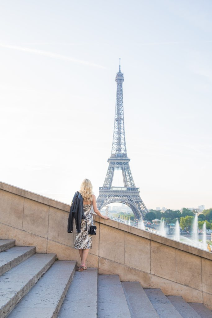 Dallas fashion blogger visiting the Eiffel Tower