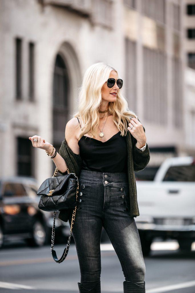 Dallas style blogger wearing chanel handbag