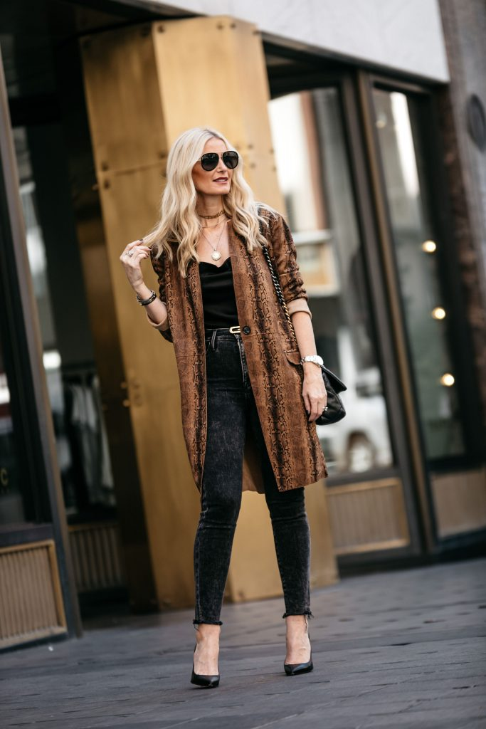 How to wear a snake print duster over 40