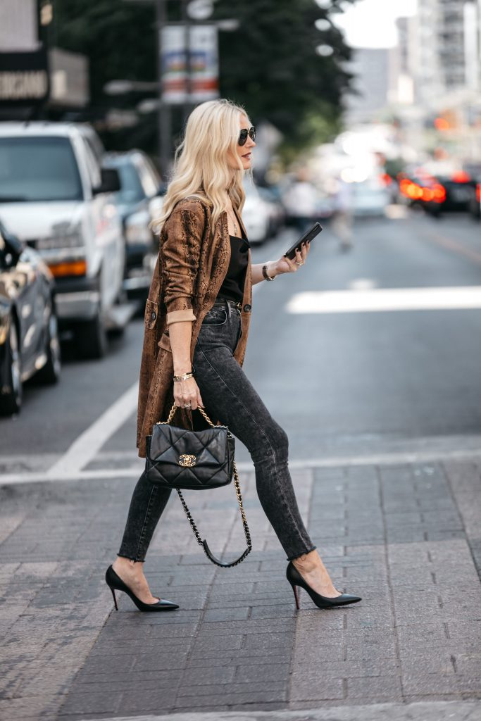 Dallas influencer carrying a Chanel handbag