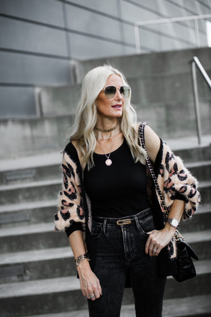 Dallas Blogger Wearing A Leopard Cardigan and Frame Denim