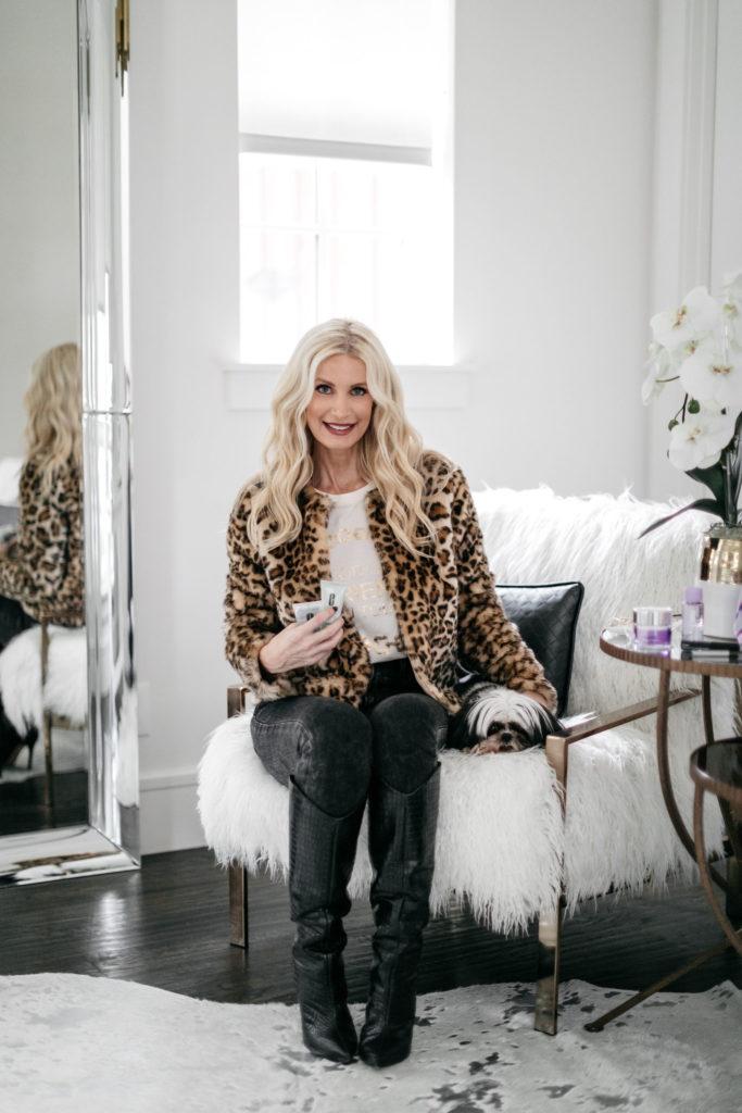 Dallas fashion blogger wearing a leopard teddy coat