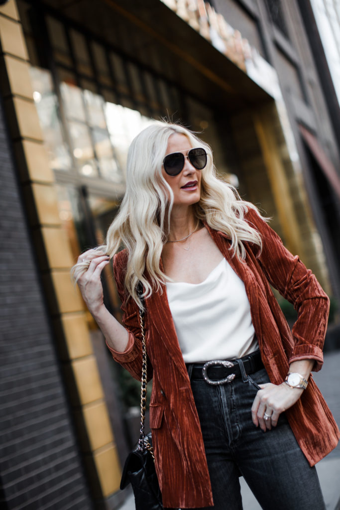 Dallas blogger wearing a velvet blazer