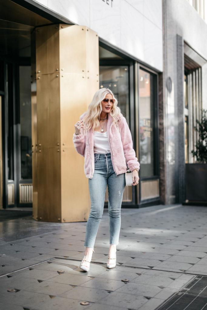 Dallas blogger wearing vintage denim with a faux fur coat
