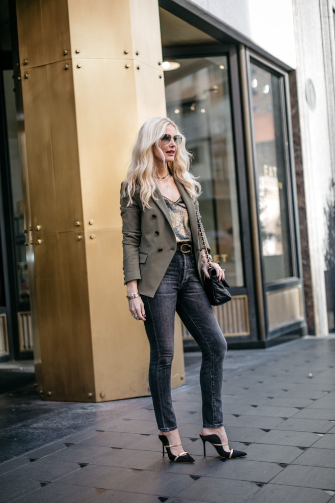 Dallas fashion blogger wearing Malone Soulier heels