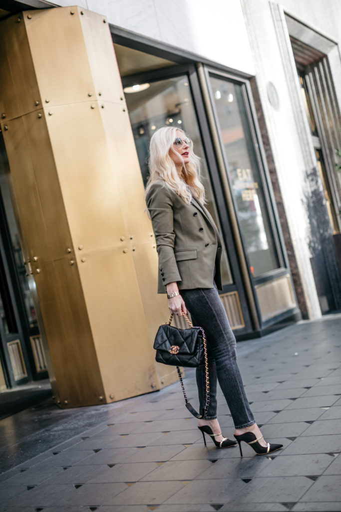 Blogger wearing an army green blazer