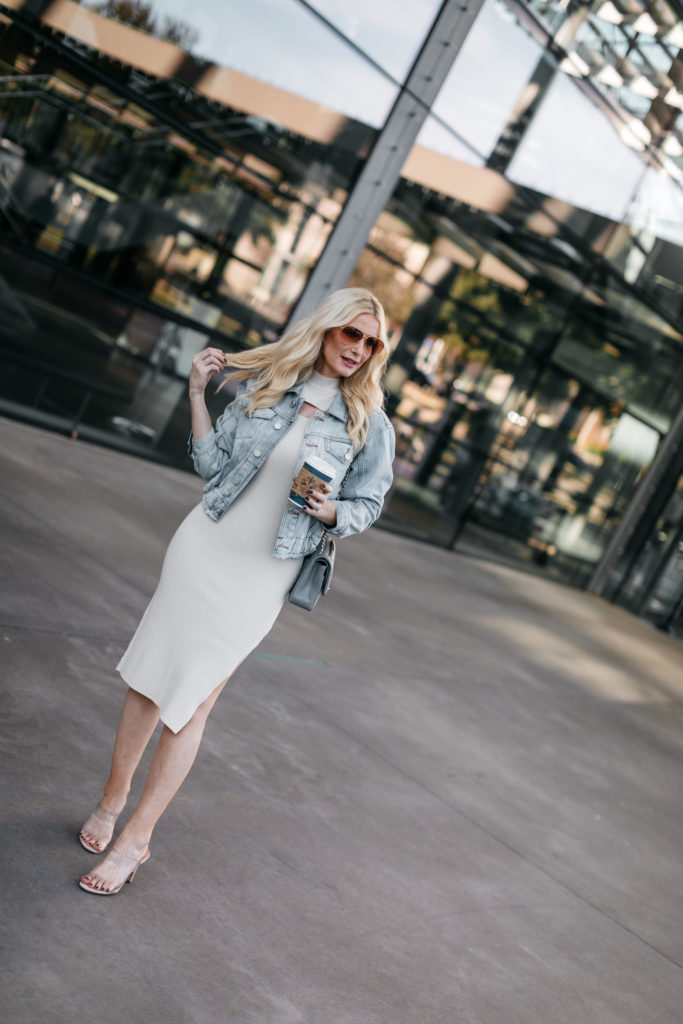 Dallas fashion blogger wearing a midi dress and heels