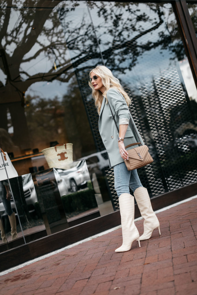 Dallas blogger wearing Schutz knee high boots