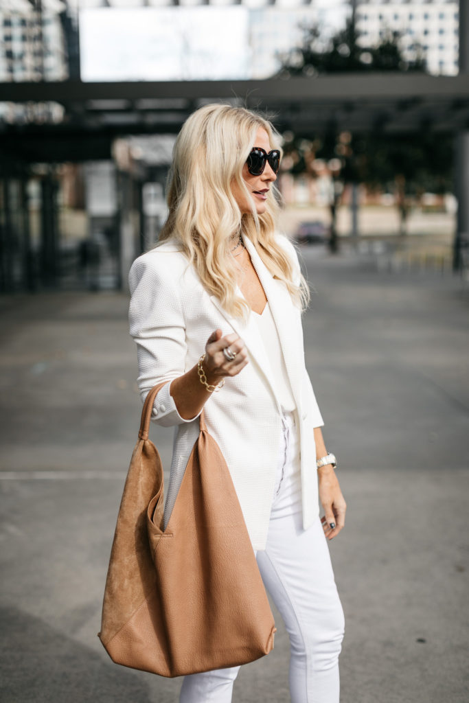 Dallas blogger wearing the Spring Box of Style 2020