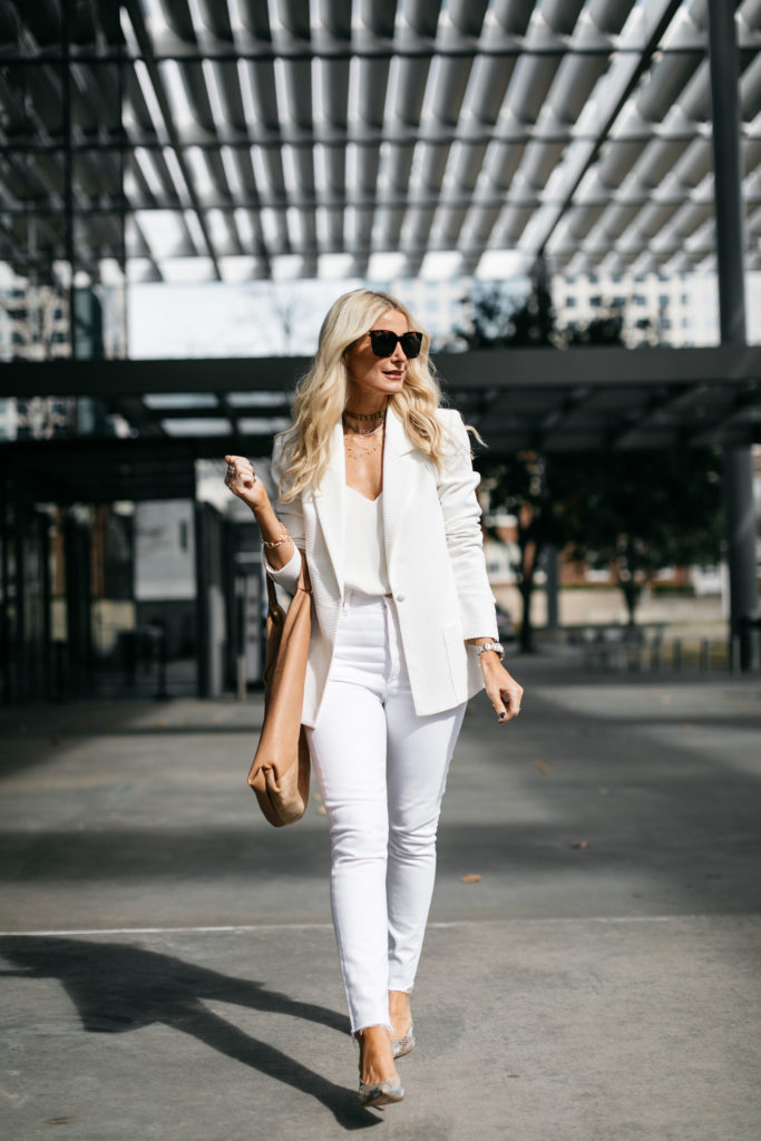 How to wear white jeans over 40