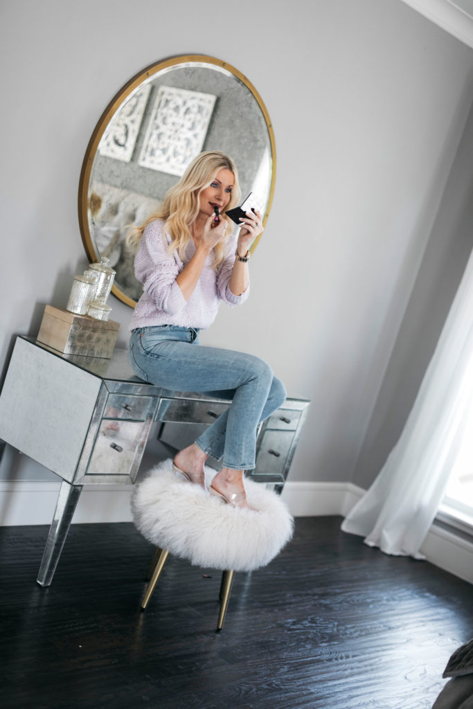 Dallas blogger wearing jeans and a sweater