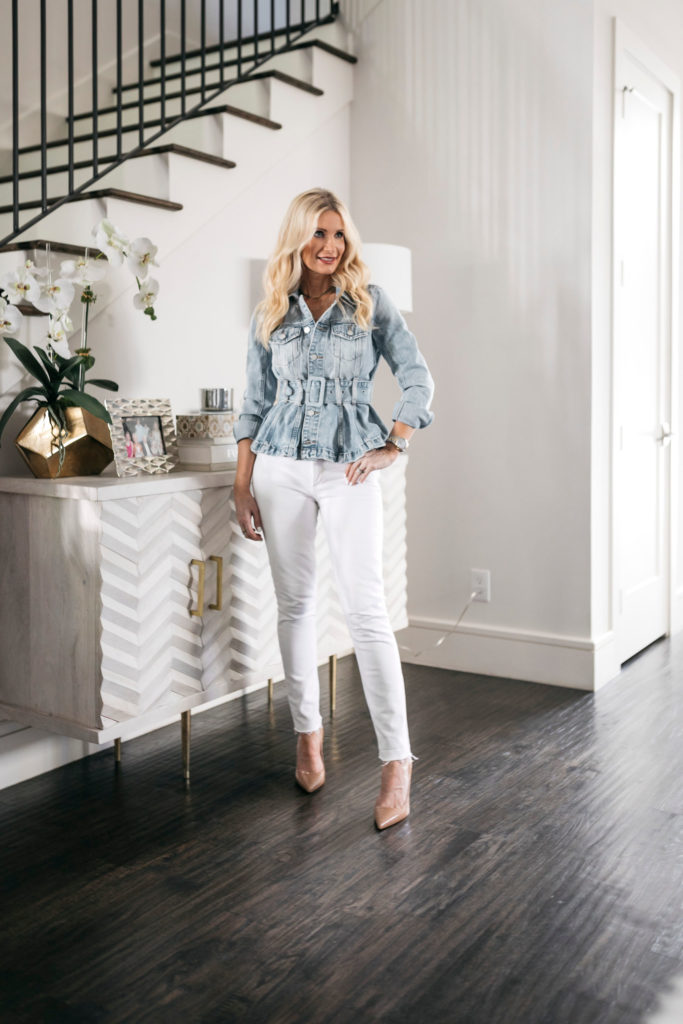 Dallas blogger wearing white denim and heels