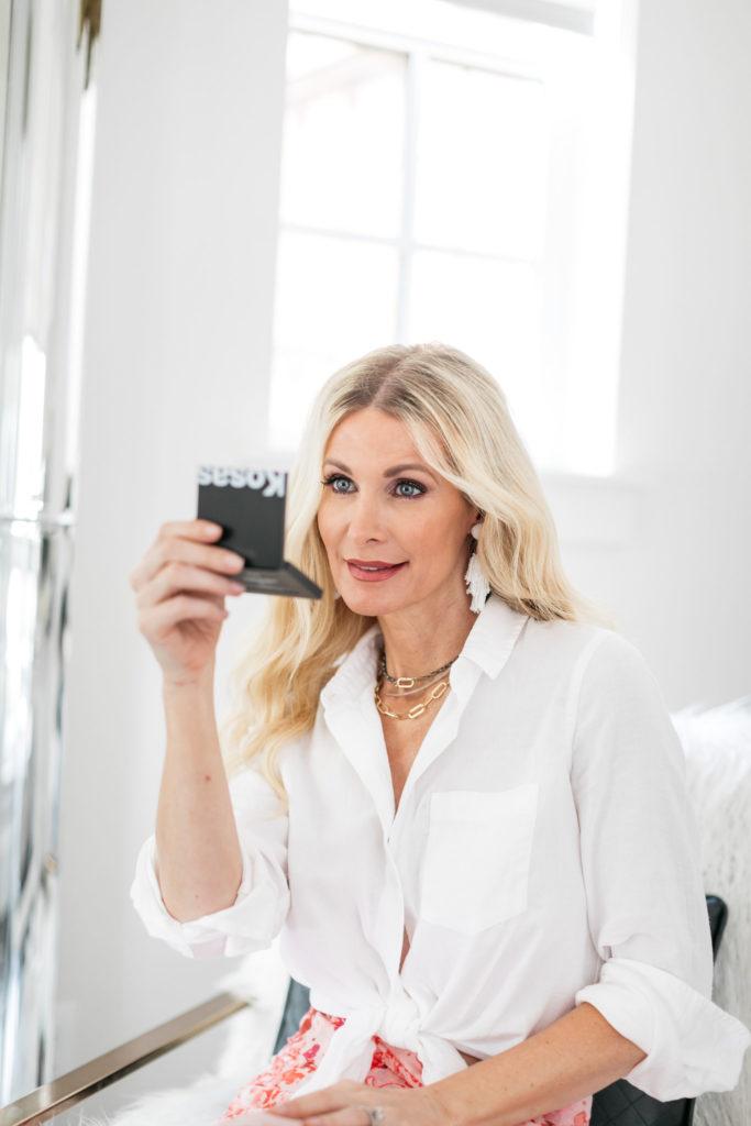 Dallas influencer wearing Kosas blush