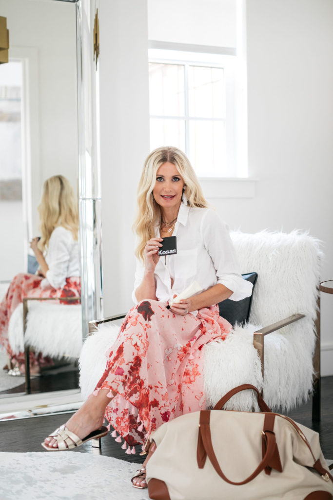 Dallas blogger wearing a floral cover-up
