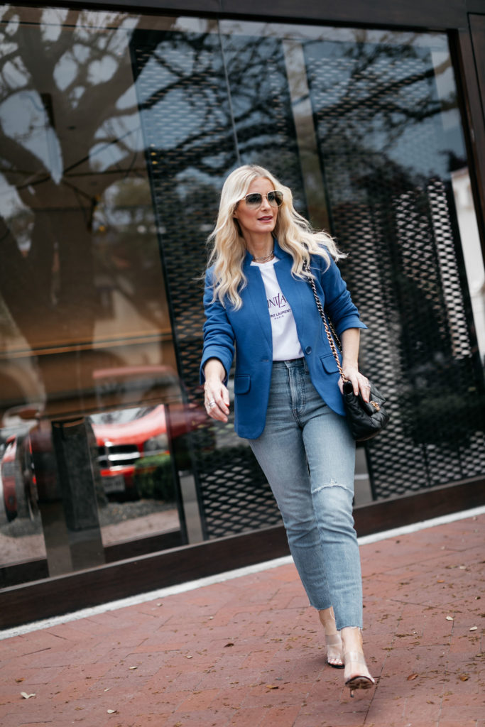Dallas style blogger wearing a blazer and a graphic tee