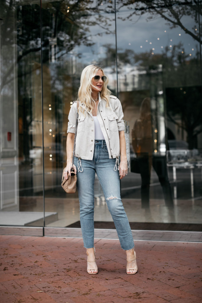 Dallas blogger wearing Madewell jeans and a Rails jacket
