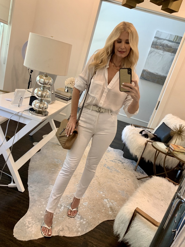 Dallas blogger wearing an all white look