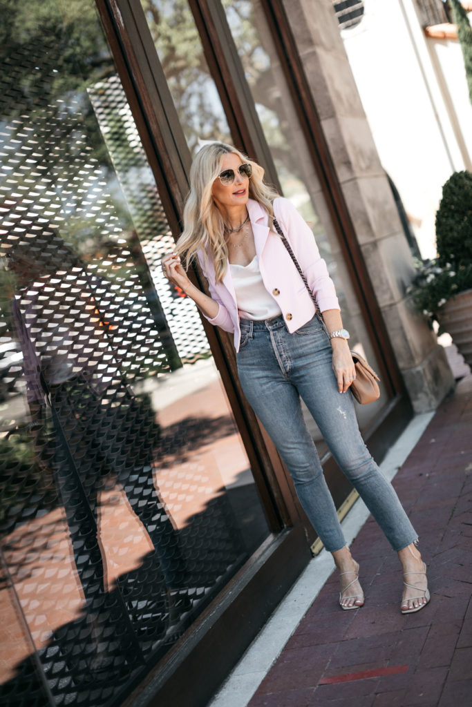 Dallas fashion blogger wearing a cropped blazer and denim