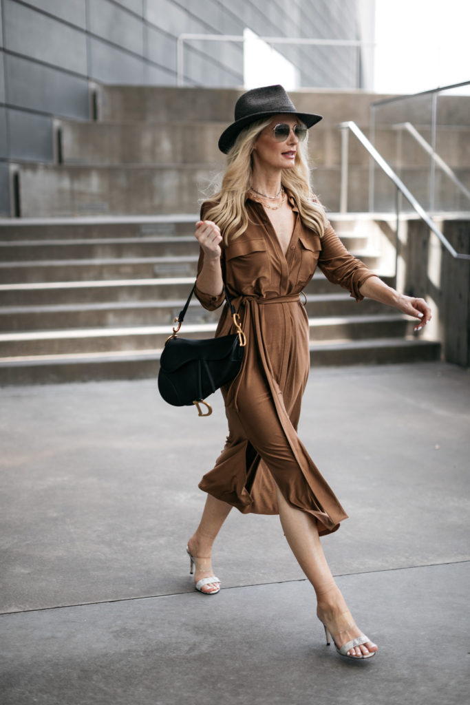 Dallas influencer wearing a shirt dress