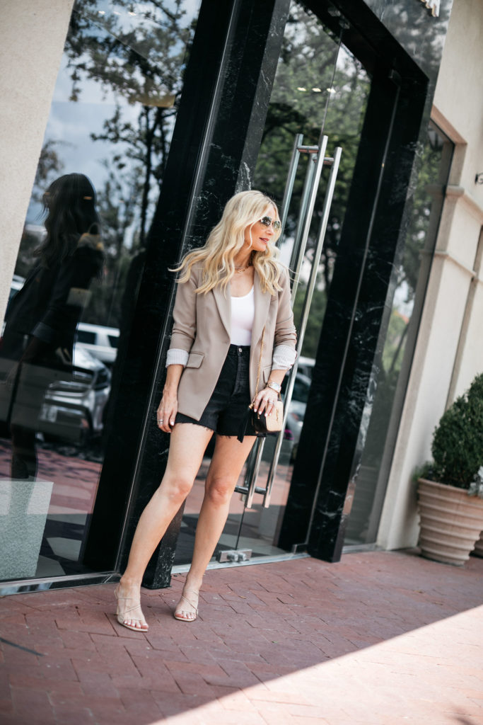 Over 40 blogger wearing shorts