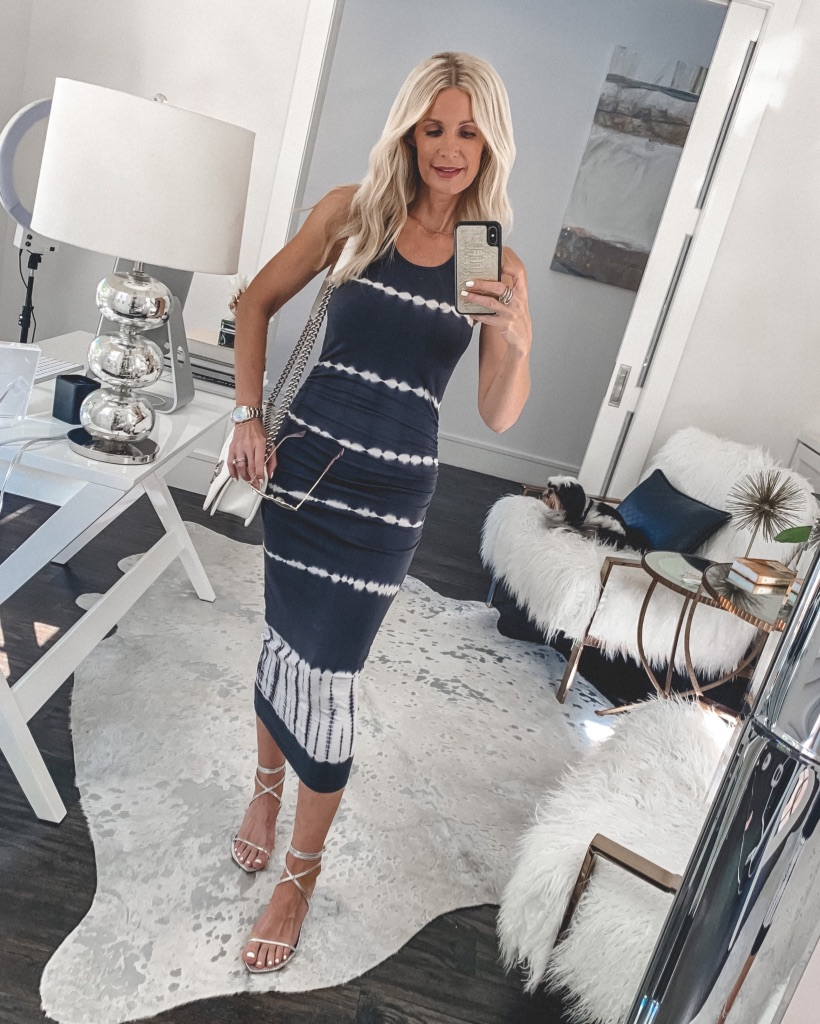Dallas blogger wearing a navy and white tie dye midi dress