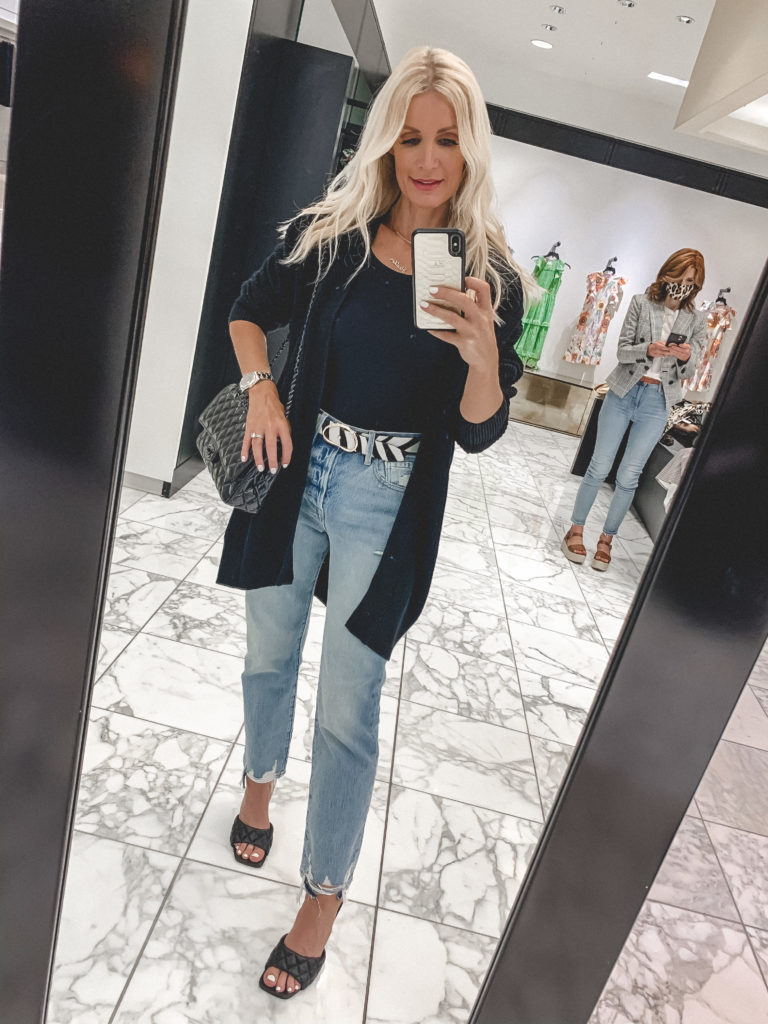 Dallas blogger wearing jeans and a cardigan