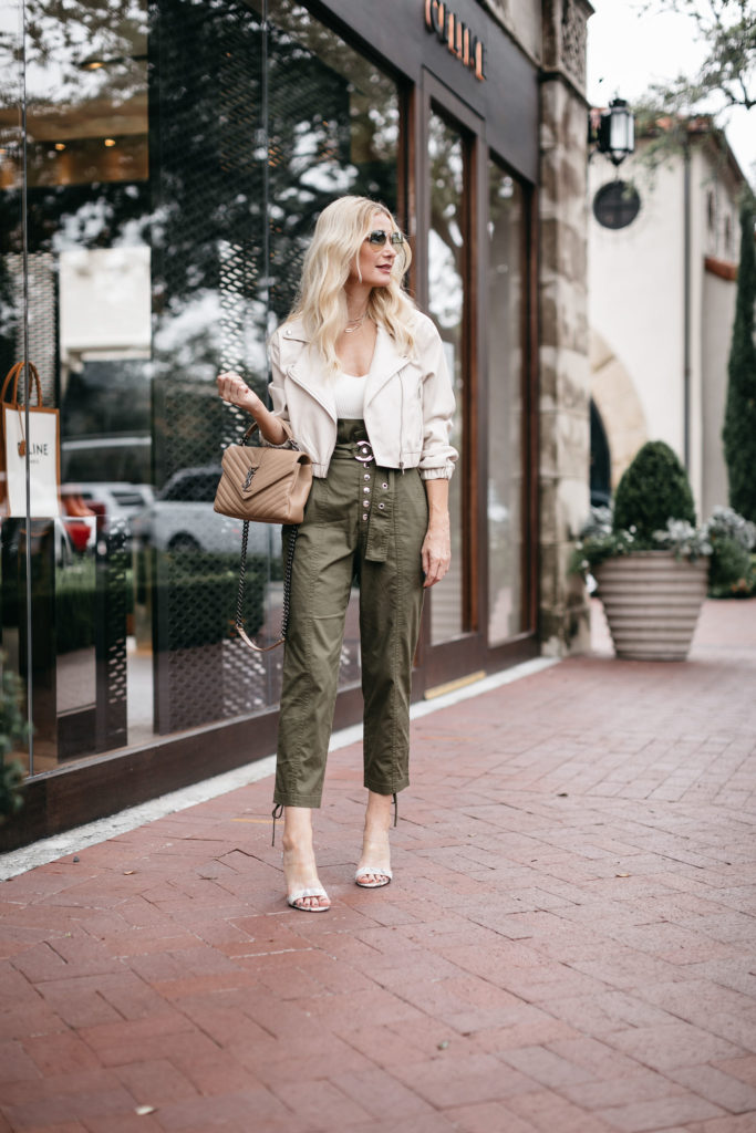 Dallas blogger wearing olive green paper bag pants