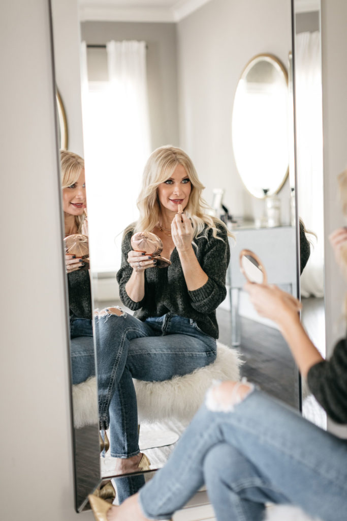 Dallas influencer wearing beauty products from Nordstrom to look more youthful
