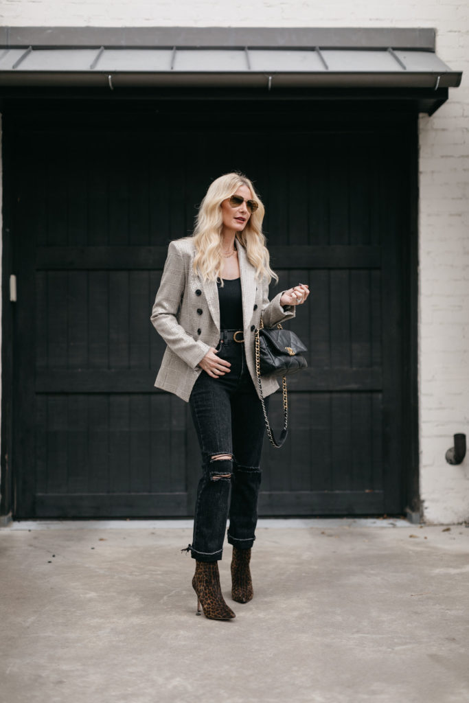 Dallas fashion blogger wearing a Veronica Beard blazer and black denim with booties