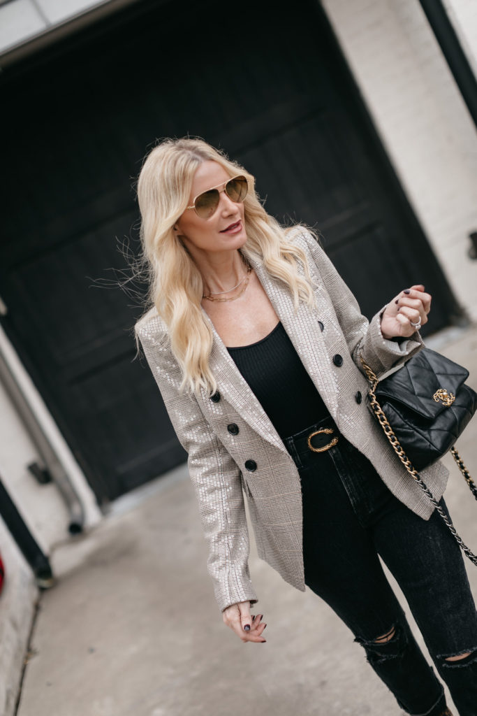 Dallas style blogger wearing a Veronica Beard blazer and a black bodysuit