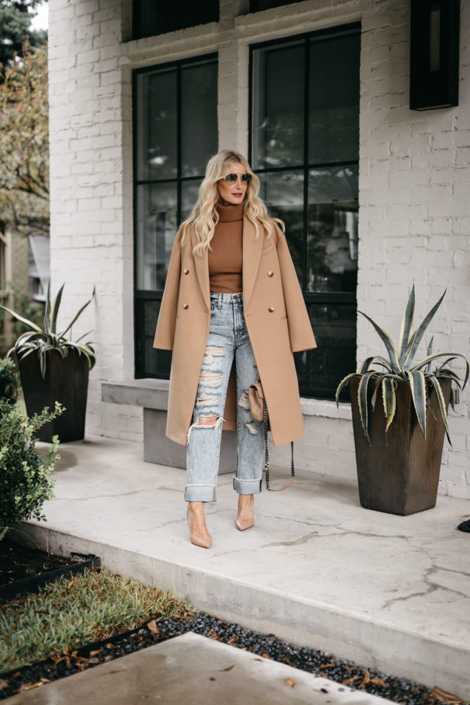 Dallas fashion blogger wearing light wash ripped jeans and nude heels