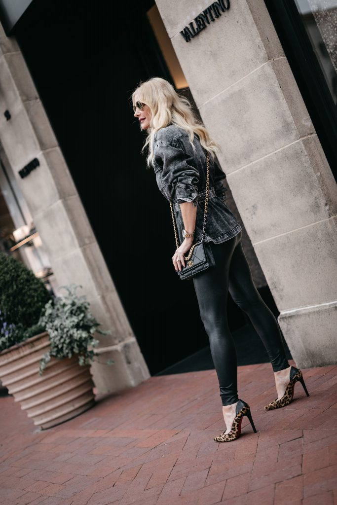 Dallas blogger wearing faux leather leggings and cheetah heels