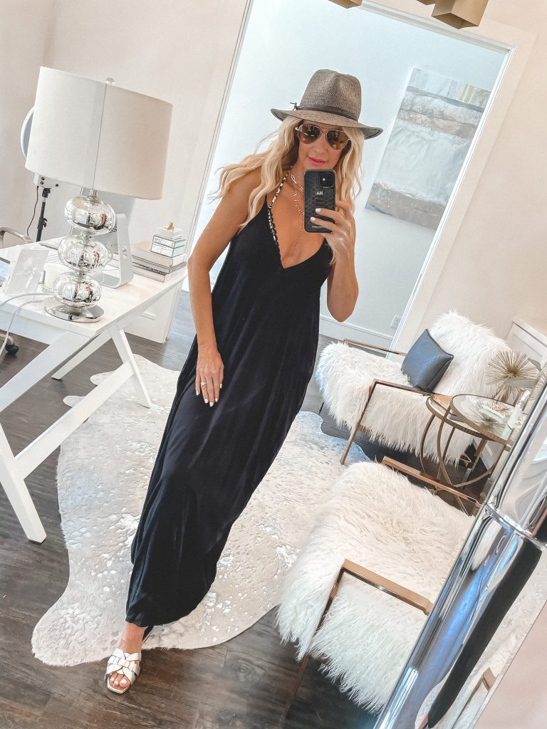 So Heather blog Dallas style blogger wearing a black maxi cover up and a grey hat for summer and the beach