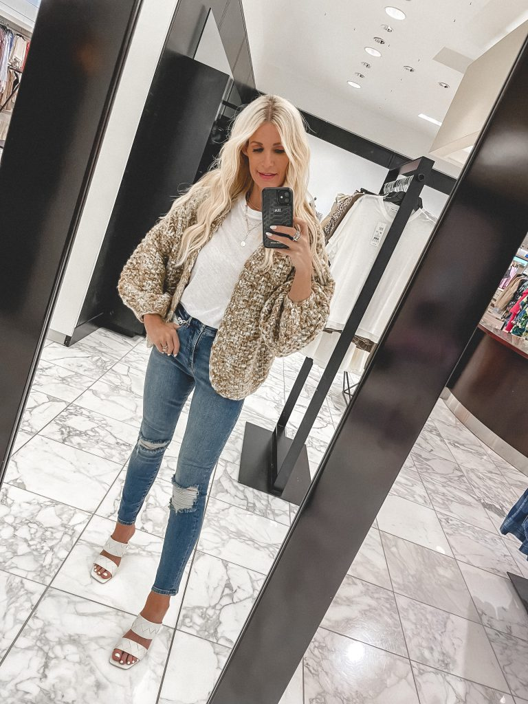 Dallas Fashion Blogger wearing a chunky knit cardigan from the NSALE