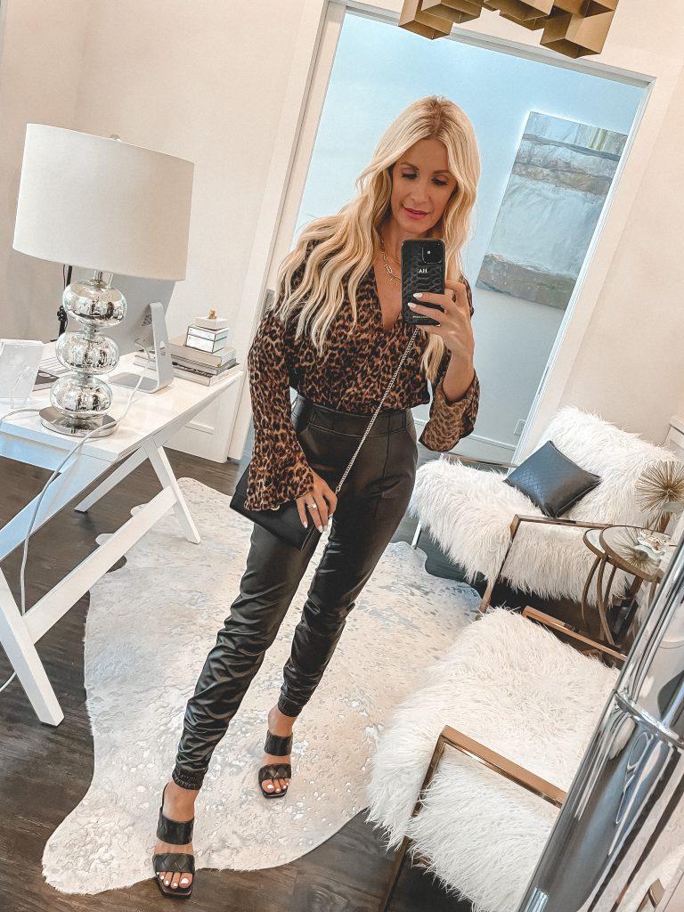 Dallas fashion blogger wearing a long sleeve leopard top