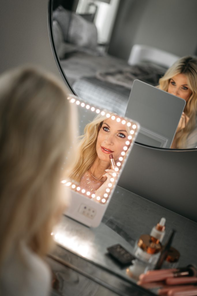 Skinny light up mirror