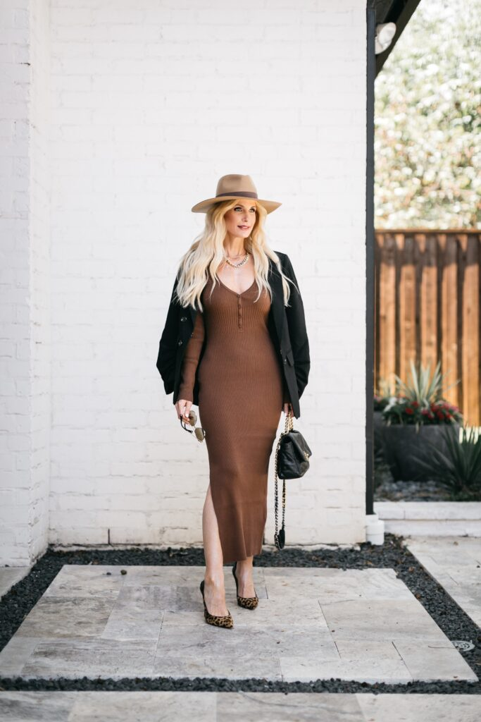 Dallas blogger wearing a dress and blazer for fall