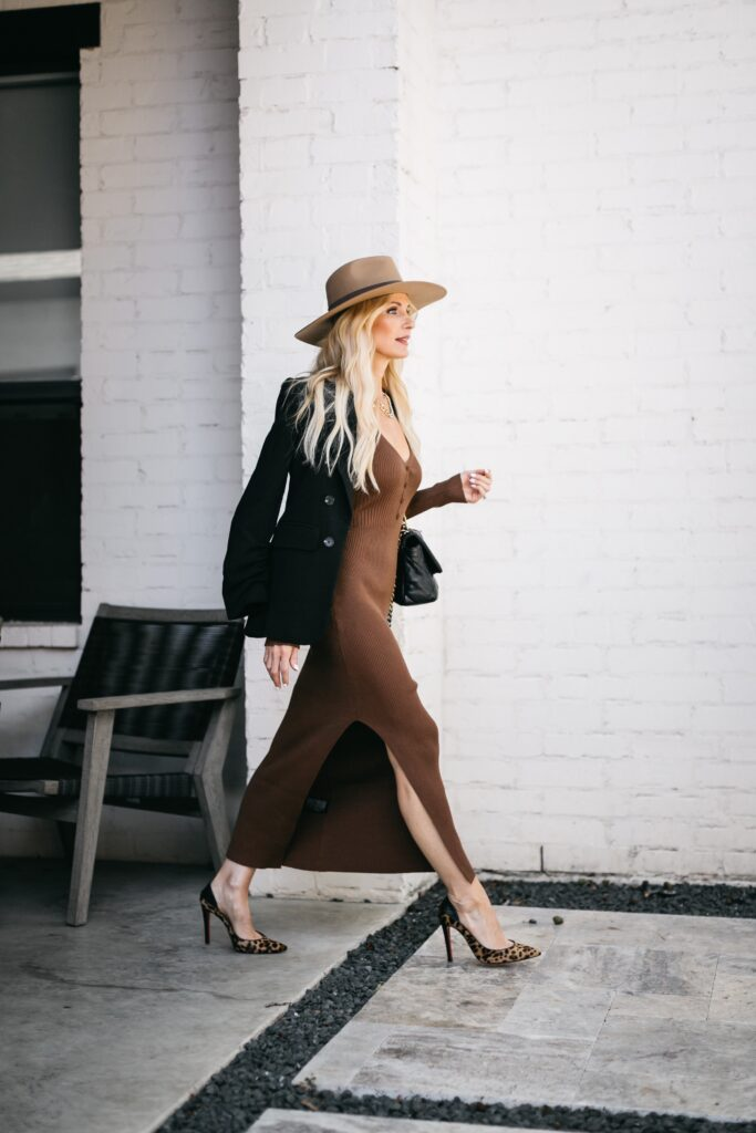 Dallas style blogger wearing a brown ribbed dress and black blazer
