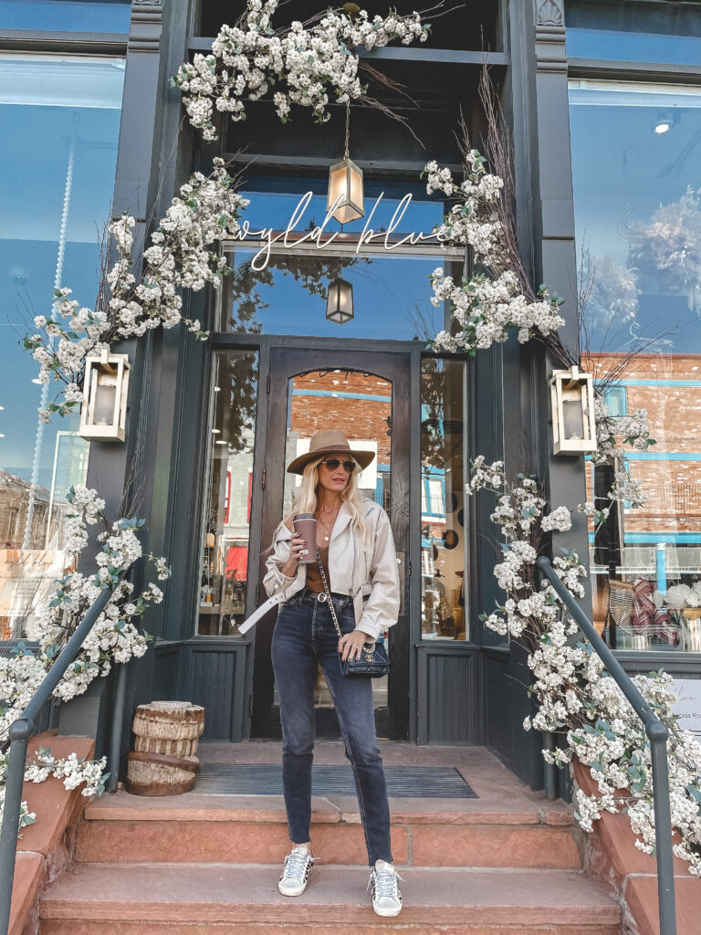Dallas blogger So Heather blog wearing a white leather jacket and denim in Colorado